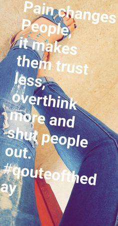 ❄❄❄❄❄#qoutes #qoute #life #shoes #Zitat #life #hope #love #trust #qouteoftheday #jeans #bluejeans #destroyedjeans