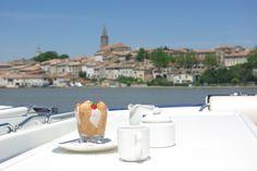 """""""Carlota de fresas"""" - Para ver la receta: https://www.facebook.com/notes/le-boat-espa%C3%B1a/carlota-de-fresas/580227182011378"""