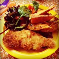 crispy chicken strips, sweet potato wedges & tomato salad   my lovely little lunch box  We rated it 4/5!