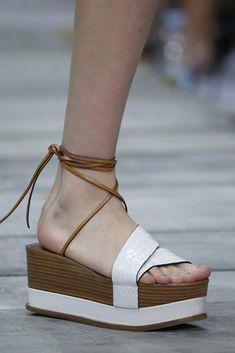 Compras de primavera: Plataformas y cuñas, el calzado imprescindible