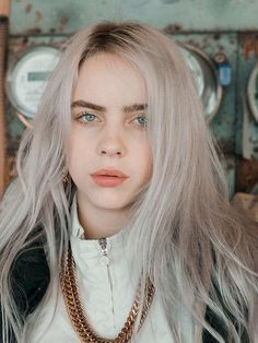 A beleza da billie eilish é surrea Billie Eilish, Pretty People, Beautiful People, Beautiful Person, Videos Instagram, Girl Crushes, Music Artists, Hair Color, Hair Styles