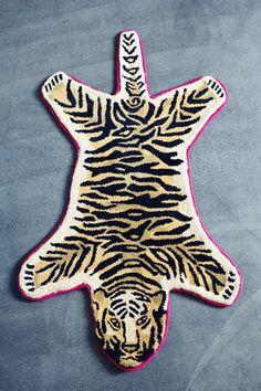 Antik Batik tiger rug