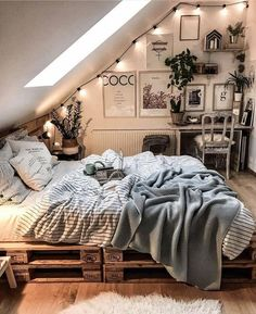 College bedroom decor - 15 Modern Bedroom Design Trends and Ideas in 2019 Page 13 of 54 Dream Rooms, Dream Bedroom, Master Bedroom, Royal Bedroom, Bedroom 2018, Bedroom Girls, White Bedroom, Girl Room, College Bedroom Decor