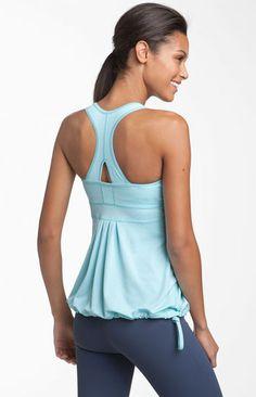 Cute Workout Tanks from Zella! Cute work out gear Yoga Fashion, Sport Fashion, Fitness Fashion, Cute Workout Tanks, Workout Tops, Workout Attire, Workout Wear, Zumba, Gym Style