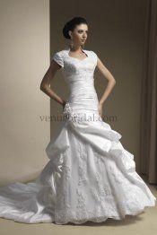 MY WEDDING DRESS!!!!!