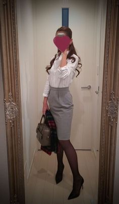 White buttoned blouse with gray tight skirt + brown bag + black heels - http://ameblo.jp/nyprtkifml
