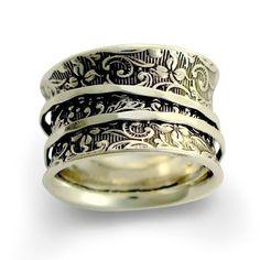 Anillo de plata banda ancha anillo Floral spinner por ArtisanFeel