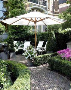 20 Nice Outdoor Patio Design Ideas for Backyard Outdoor Rooms, Outdoor Gardens, Porches, Garden Pavers, Seaside Garden, Outdoor Patio Designs, Garden Landscape Design, Outdoor Settings, Garden Planning