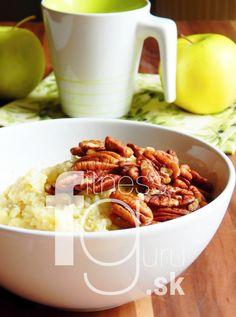 Pšenový puding s pekanovými orechmi a jabĺčkom