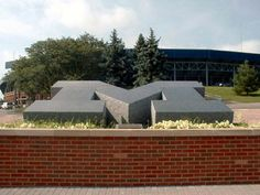 The 100,000-pound M is made of blue pearl granite that was quarried in Norway, and then shipped to Carrera, Italy, where it was carved. It made its way to Ann Arbor via ship and three semi-truck trailers. #GoBlue