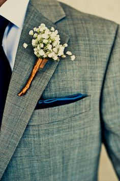 The boutonniere looks really classy with the copper ribbon.  Hmm, copper...