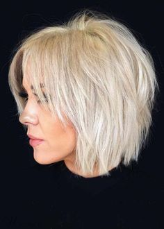 24 Fantastic Choppy Bob Hairstyles For All Moods And Occasions Volumetric Choppy Bob Hairstyles To Amp Up Your Look In 2019 ? : 24 Fantastic Choppy Bob Hairstyles For All Moods And Occasions Volumetric Choppy Bob Hairstyles To Amp Up Your Look In 2019 ? Shaggy Bob Haircut, Choppy Bob Haircuts, Short Layered Haircuts, Haircuts For Fine Hair, Short Bob Hairstyles, Hairstyles Haircuts, Short Hair Cuts, Layered Cuts, Stylish Hairstyles
