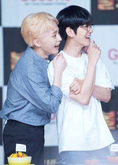 160629 #Xiumin #Baekhyun #EXO
