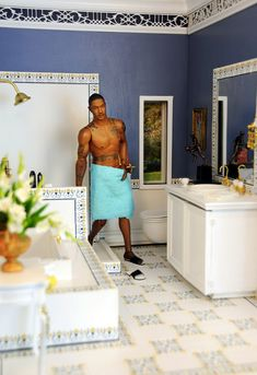 Master Bath | This is 1:6 Mansion expansion with a bedroom and bathroom suite An Enterbay Collectible figure of Derrick Rose