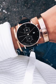 Chrono All Black Croco by Kapten & Son | picture by eylmbc | watch for her | armcandy | gift idea | details | chronograph | top down | black | rosé | timeless | chic | style | fashion |