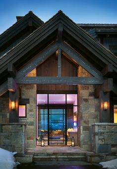 The Perfect Blend of Rustic Modernity under Montana's Big Sky #RobbReport