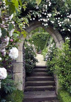 Pretty garden entry at Hanham Court by iandjbannerman