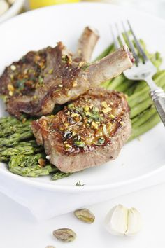 Pistachio and Mint Crusted Lamb Chops