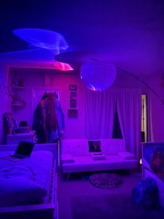 Neon Bedroom, Cute Bedroom Decor, Room Design Bedroom, Bedroom Decor For Teen Girls, Room Ideas Bedroom, Bedroom Inspo, Led Decoration, Chill Room, Retro Room