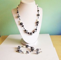 Hey, I found this really awesome Etsy listing at https://www.etsy.com/listing/280044852/handmade-ooak-black-white-lampwork-bead