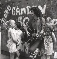 Cat Stevens with young fans 1969 photographer David Wedgbury Cat Stevens, 60s Music, Music Icon, The Ventures, Blues, Joan Baez, Musical, Good Music, Rock And Roll