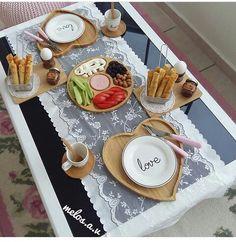 Pink Marble Wallpaper, Arabic Food, Food Presentation, Table Decorations, Blog, Kitchen, Breakfast, Recipes, Living Room Ideas