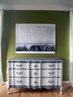 How to prepare furniture for painting - see how to do it right and check out this gorgeous transformation!