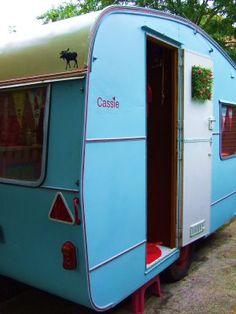 1960 Ace Continental vintage travel trailer!