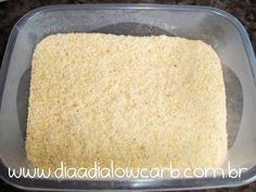 É isso mesmo?!?! Farinha de frango!! Uma invenção da Caroline Guilherme (instagram #cacauguilhermefit), serve para tudo, uma boa coxinha, uma panqueca, uma torta salgada. E o melhor, lowcarb, pura proteína hein!!! Ingredientes Frango!!! O rendimento é entre 25% a 40% da quantidade de frango!!  Modo de preparo >> Cozinhe o peito de frango com …