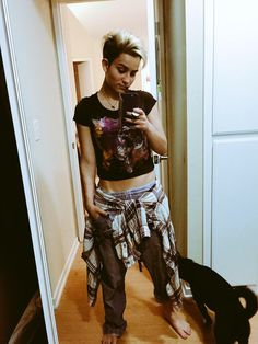 ":Bex Taylor-Klaus: ""Sup, I'm Bex. I am 18 and single. Dylan is my over protective brother. I am bisexual. I like to take pictures and film people. And yeah.. Intro"