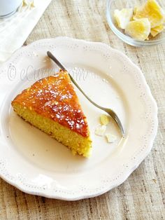 Pineapple Orange Ginger Cake -calls for fresh pineapple, but wonder if canned would work Fresh Pineapple Cake Recipe, Orange Pineapple Cake, Pineapple Recipes, Sweet Recipes, Cake Recipes, Dessert Recipes, Great Desserts, Delicious Desserts, Holiday Desserts