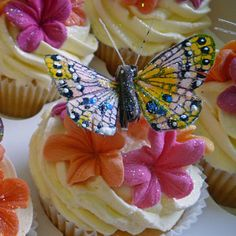 Butterfly and flowers Cupcakes