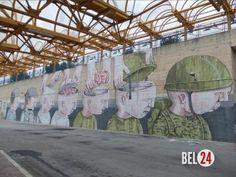 """10 сильных стрит - арт - работ, раскрывающих правду жизни.. ( """"Art""""). Уличное искусство сильно выросло - это уже не просто граффити, надписи и красивые картинки. Все чаще художники поднимают острые социальные темы, вызывающие эмоции и отклик у зрителей, заставляющие зад"""