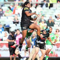 Penrith Panthers vs Canberra Raiders 2014 #nrl#arl Penrith Panthers, Panthers Vs, Netball, Rugby League, Raiders, Board, Sports, Men, Clothes