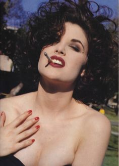Sherilyn Fenn by Jean Baptiste Mondino, The Face magazine, December 1990 Women Smoking, Girl Smoking, Playboy, The Face Magazine, Sherilyn Fenn, Audrey Horne, Hollywood, Perfect Skin, Twin Peaks