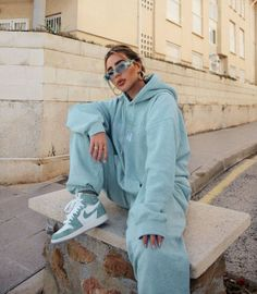 Sporty Outfits, Mode Outfits, Cute Casual Outfits, Girl Outfits, Fashion Outfits, Casual Shoes, Mens Fashion, Abaya Fashion, Fashion Killa