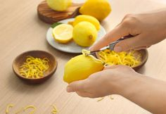 Lemon zest is a dynamic addition to many different recipes, but not everyone knows how to zest a lemon properly. Here's how you can zest a lemon. Vitamin A, Advantages Of Lemon, A Food, Food And Drink, Tart Taste, Lemon Benefits, Health Benefits, Natural Home Remedies, Rind