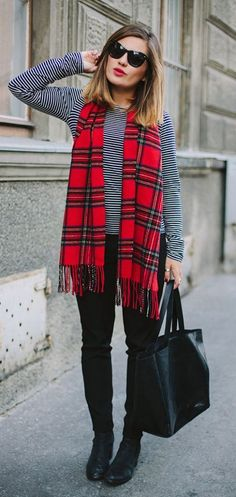 Stripes and plaid red plaid scarf, red plaid shirt outfit, checked shirt ou Mode Chic, Mode Style, Plaid Fashion, Fashion Outfits, Fashion Trends, Fall Winter Outfits, Autumn Winter Fashion, Fall Fashion, Preppy Winter