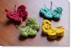 Crochet Butterfly Pattern and tutorial  ♥ http://pinterest.com/pin/create/button/?url=http%3A%2F%2Ffelting.craftgossip.com%2F2013%2F04%2F08%2Fcrochet-butterfly-pattern-and-tutorial%2F=http%3A%2F%2Ffelting.craftgossip.com%2Ffiles%2F2013%2F04%2FMaries-Butterflies.jpg=Crochet%20Butterfly%20Pattern%20and%20tutorial
