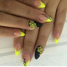 80s Theme, Flower Prints, Pretty Nails, Nail Colors, Almond, Nail Designs, Projects To Try, Nail Polish, Nail Art