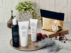 "john masters organics Christmas coffret (Limited) | Hair can feel the natural beauty and unity "" Winter Holiday hair care Coffret "" , was filled with radiance and happiness ,"