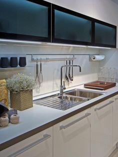 78 best kitchens horizontal doors images modern kitchens home rh pinterest com horizontal kitchen cabinet handles horizontal kitchen cabinets with glass doors