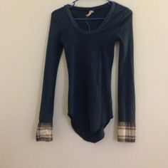 Free People Cuff Thermal Worn a few times no rips or stains  Free People Tops