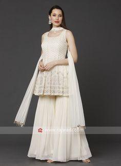 Party Wear Indian Dresses, Designer Party Wear Dresses, Dress Indian Style, Indian Fashion Dresses, Indian Wedding Outfits, Indian Designer Outfits, Pakistani Dresses, Indian Outfits, Gharara Designs
