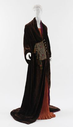 """""""Irudrée"""" Gown, ca. 1923 Paul Poiret (French, 1879–1944) Silk, metal; L. at center back 52 in. (132.1 cm) Purchase, Friends of The Costume Institute Gifts, 2007 (2007.146) Paul Poiret&#…"""