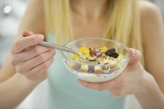 Your heart failure diet should avoid these 5 types of foods & beverages. Stay healthier & make it easy for your heart to work with a congestive heart failure diet. Muesli, Congestive Heart Failure Diet, Nutrition, Spark People, Foods To Avoid, Ibs, Fresh Vegetables, Healthy Habits, Healthy Weight
