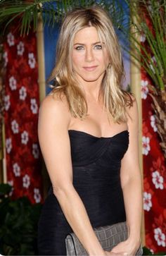 New Jennifer Aniston Toppless Peinados Jennifer Aniston, Jennifer Aniston Pictures, Jennifer Aniston Style, Jennifer Lawrence, Jeniffer Aniston, John Aniston, Rachel Green, Star Wars, Portraits