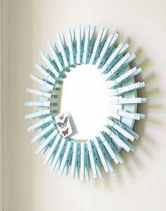 specchio decorato con le mollette