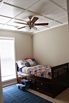 Slat Board Ceiling Design Ideas To Inspire: Slat Board Ceiling In White With Ceiling Fan Also Wooden Bedframe For Bedroom Design