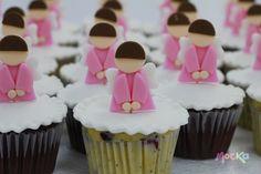 #Cupcakes con Decoración de #Angelitos  www.mocka.co  #mocka #pasteleria #cakeshop #primeracomunion #ponque #tortas #pasteles